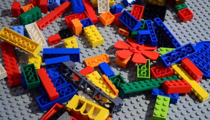 LEGO — популярная развивающая игра