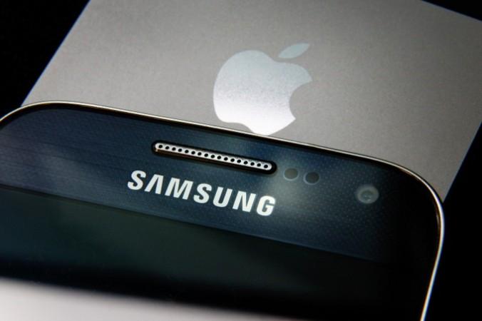 Конфликт Apple и Samsung продолжается с 2011 года. Фото: Peter Macdiarmid/Getty Images