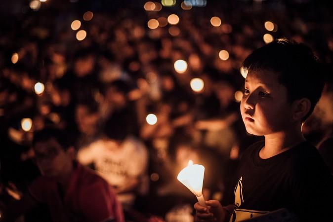 акция со свечами