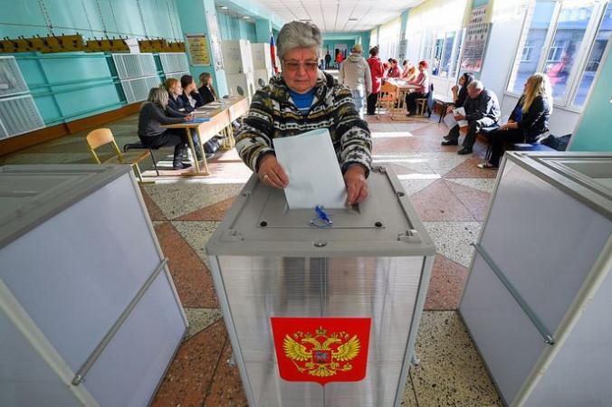 Выборы в России. Фото: DMITRY SEREBRYAKOV/AFP/Getty Images