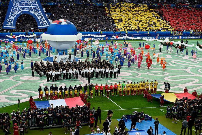 Церемония открытия Евро-2016 по футболу  во Франции. Фото: Mike Hewitt/Getty Images