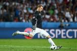 Мануэль Нойер (Германия) в матче между Германией и Украиной на Евро-2016 во Франции, 12 июня, 2016 год. Фото: Alexander Hassenstein/Getty Images