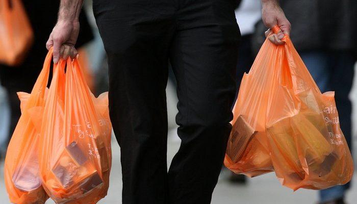 В Калифорнии запретили полиэтиленовые и бесплатные бумажные пакеты