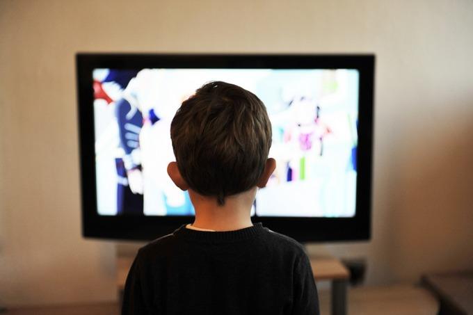 Просмотр телепередач мешает развитию ребёнка
