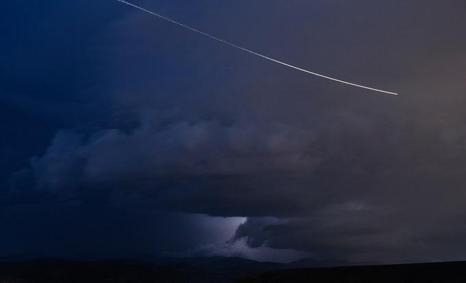 Кометы состоят из льда и замёрзжего газа с небольшим количеством твёрдых частиц. Фото: pixabay.com/CC0 Public Domain