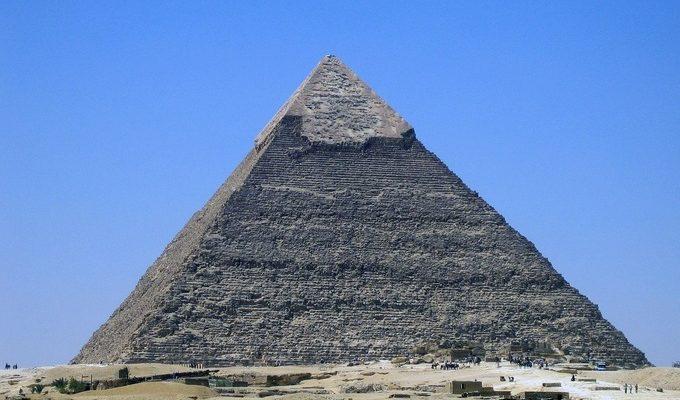 Скошенная пирамида, телепортация и другие «ляпы»: к чему приводит недопонимание