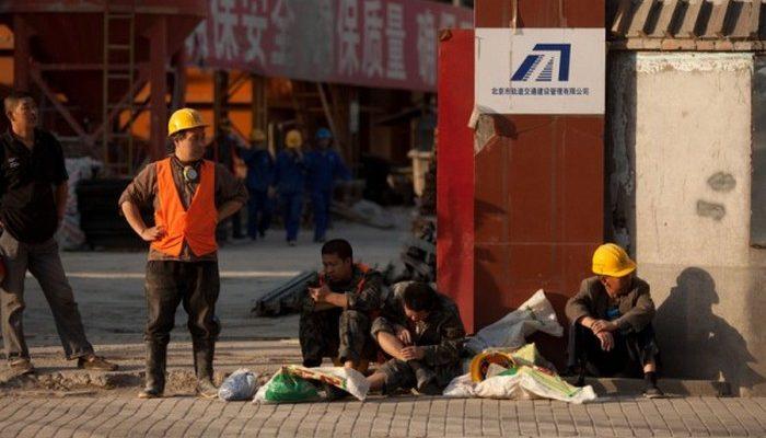 Безработица в Китае может быть в три раза выше официальных данных
