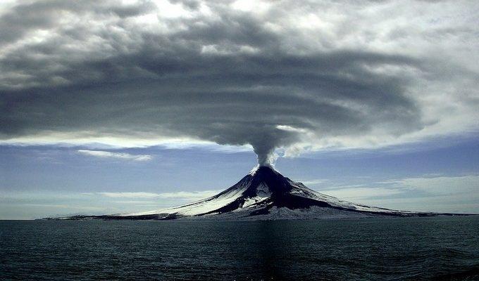 В Японии запустили систему быстрого оповещения об извержениях вулканов