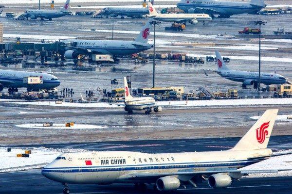 Задержка авиарейсов в Китае: армия умышленно блокирует воздушное пространство, чтобы вымогать деньги