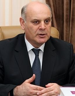 Аслан Бжания — главный конкурент Рауля Хаджимбы. Фото: WikieditorApsny /wikipedia.org/CC BY-SA 4.0