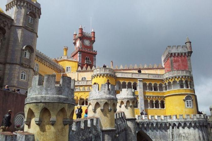 Дворец Пена, г. Синтра, Португалия. Фото: jganzarain/pixabay.com/CC0 Public Domain