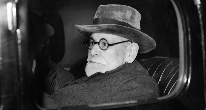 LONDON, UNITED KINGDOM: Austrian psychoanlyst Sigmund Freud leaves Victoria Station after his arrival in London 06 June 1938. Freud had his passport restored to him unexpectedly by the Nazi authorities. He was allowed to take out of Austria only his furniture, his library and his collection of Greek and Egyptian antiques. (Photo credit should read AFP/Getty Images)