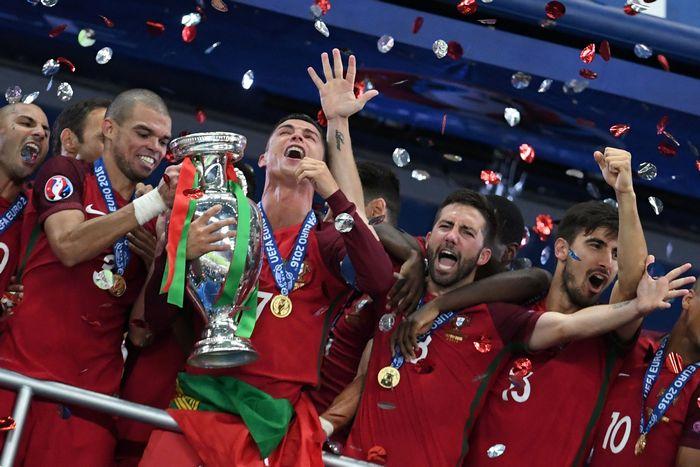 Победа сборной Португалии в матче с командой Франции на Евро-2016, Франция, 10 июля, 2016 год. Фото: FRANCISCO LEONG/AFP/Getty Images