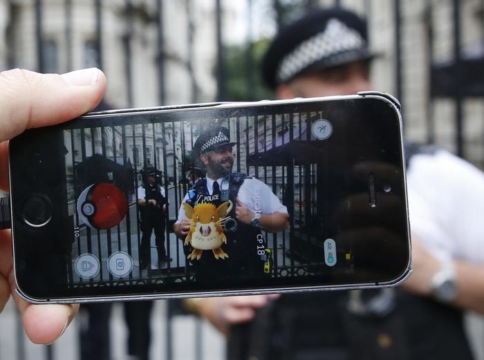 Ловцы покемонов. Фото: Olivia Harris/Getty Images