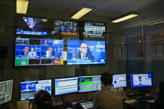 Офис NTD в Нью-Йорке. Кабельная сеть Time Warner угрожает прекратить трансляцию канала с 1 июля. Фото: The Epoch Times