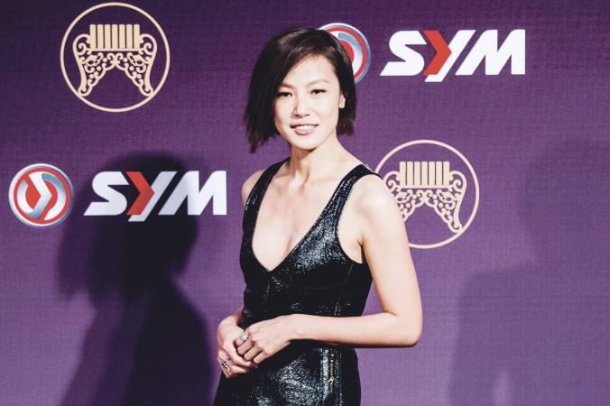 Гонконгская певица Дениз Хо прибыла на 25-ю церемонию награждения Golden Melody Awards. Тайбэй, 28 июня 2014 года. Фото: Pochou Chen/Epoch Times