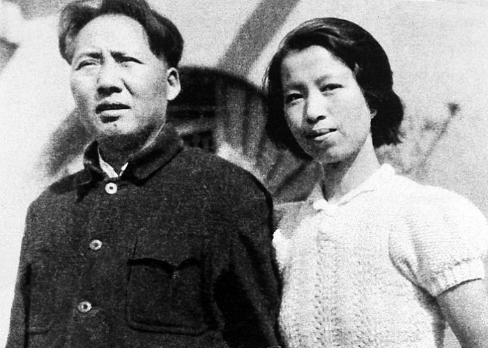 Жена Мао Цзэдуна переливала себе кровь молодых гвардейцев, «чтобы вернуть молодость»