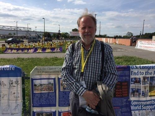 Maттис Холдорсон, врач из Исландии. Фото: Minghui.org