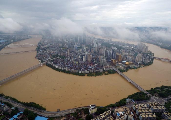 Наводнения в южном Китае. Район Гуанси. Июль 2016 года. Фото: STR/AFP/Getty Images