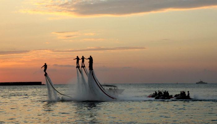 В Севастопольской бухте летающие спортсмены установили три рекорда (видео)