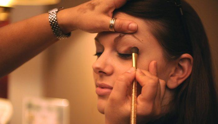 Декоративная косметика для глаз