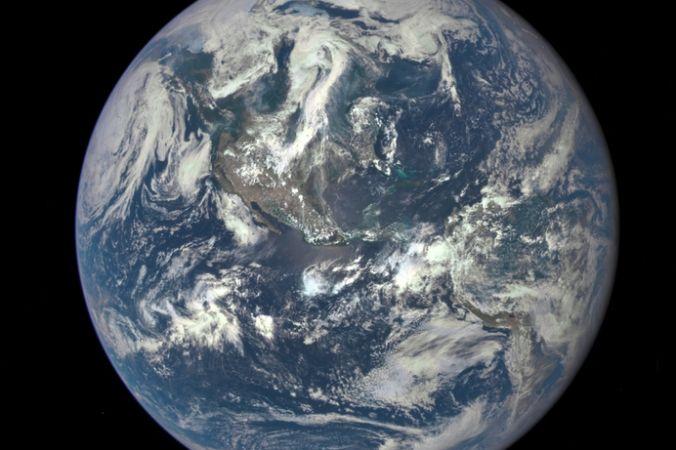 Земля из  космоса. Фото: NASA via Getty Images