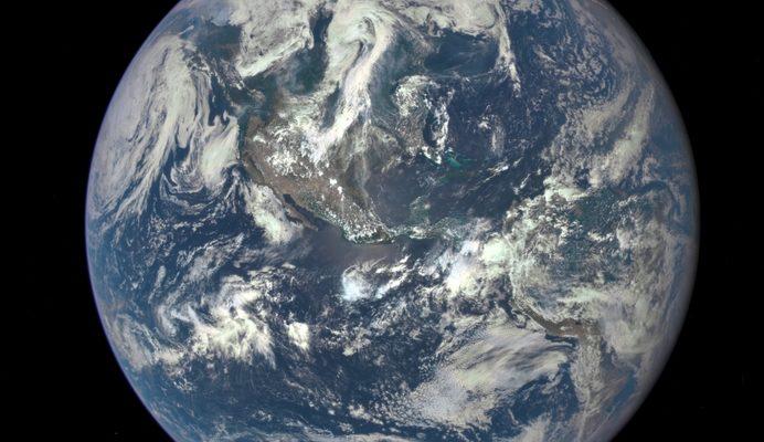 Китай запустит в космос крупнейший космоплан с туристами