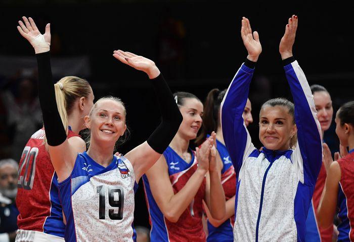 Российские волейболистки празднуют победу в матче со сборной Японии на Олимпиаде-2016 в Рио-де-Жанейро, 12 августа, 2016 год. Фото: PHILIPPE LOPEZ/AFP/Getty Images