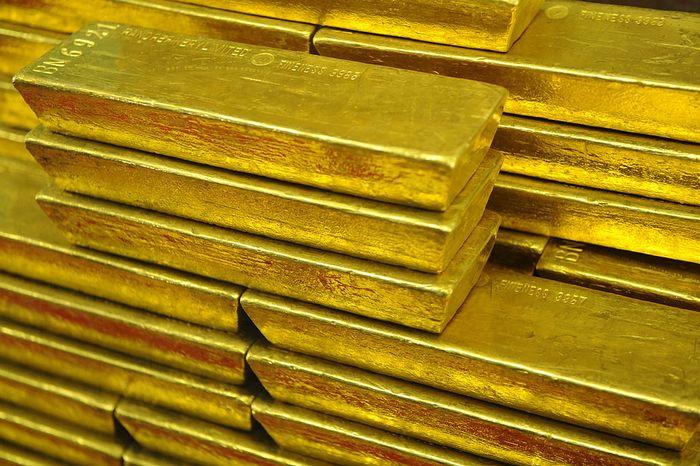 Слитки золота. Фото: MICHAL CIZEK/AFP/Getty Images
