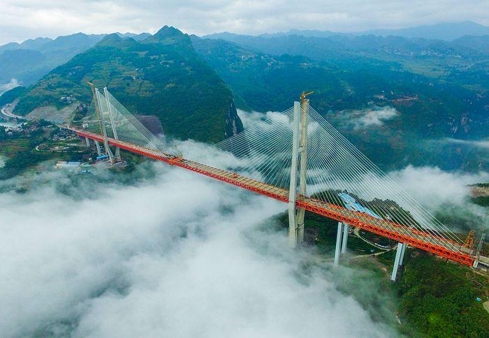 Мост Бэйпаньцзян в Китае. Фото: STR / AFP / Getty Images
