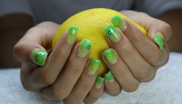 Как сделать ногти красивыми?