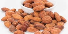 Почему диетологи советуют есть миндаль каждый день