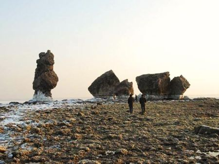 Руины дворца можно увидеть во время отлива. Фото: Liaoshen Evening News