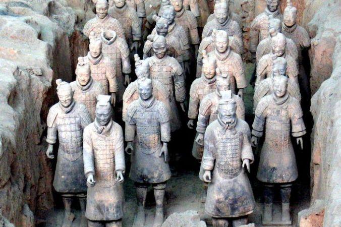 Терракотовые воины из гробницы Цинь Ши Хуана, первого императора Китая. Сиань, Китай. Фото: Wikimedia