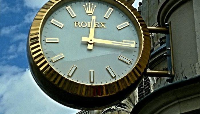 Часы Rolex — популярный бренд с мировым именем