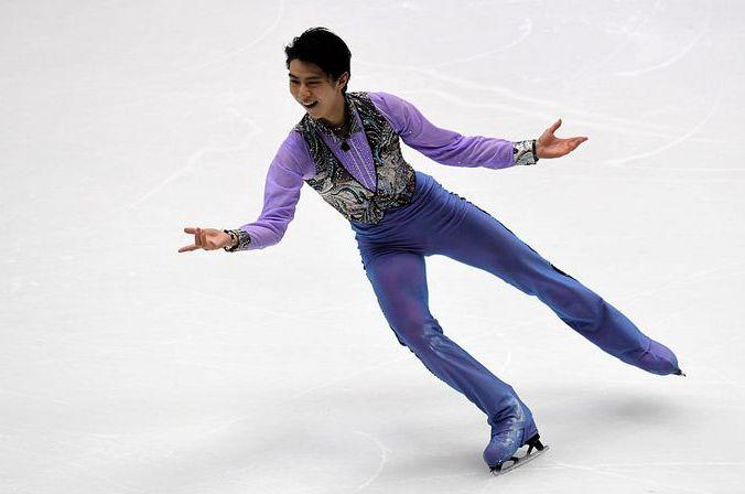 Олимпийский чемпион японец Юдзуру Ханю, короткая программа, Гран-при, Япония, 25 ноября, 2016 год. Фото: TOSHIFUMI KITAMURA/AFP/Getty Images