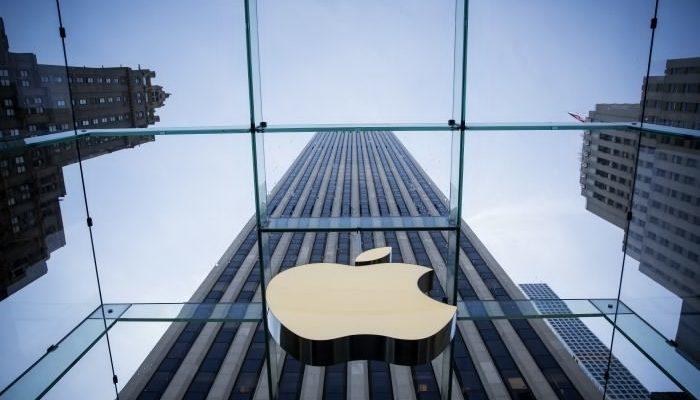 Apple — от компьютера из гаража до очереди за айфоном