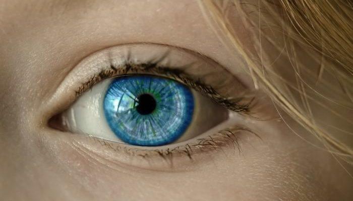 Врачи-офтальмологи помогут сохранить зрение
