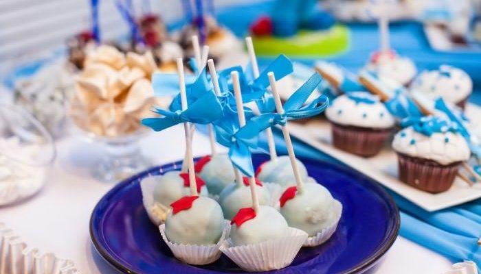 Капкейки — вкусное и красивое украшение праздничного стола