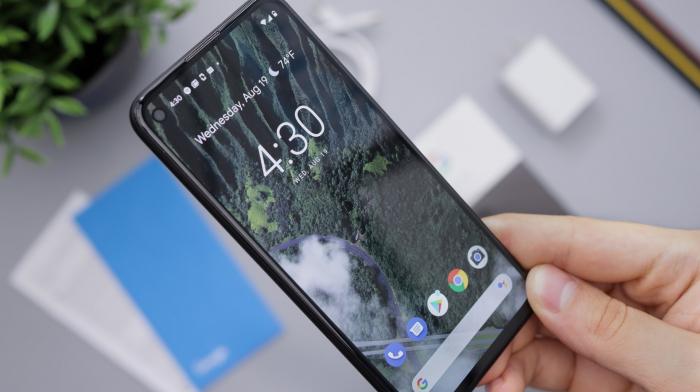 Китайские смартфоны: Oppo и Vivo опережают Huawei и Xiaomi, используя старые методы продаж