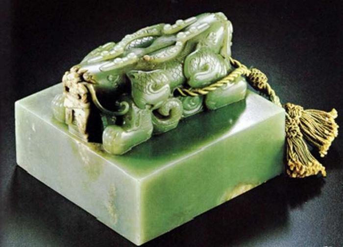 Нефритовая императорская печать династии Цин. Фото: CC BY SA