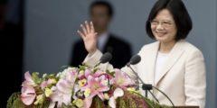 Маленькие хитрости: как реакция Китая на тайваньский звонок Трампа по-разному интерпретируется в переводах