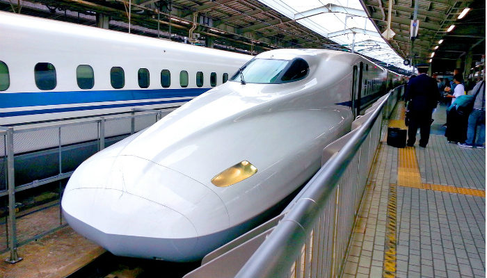 Зачем японский поезд фыркает, как олень, и лает, как собака?