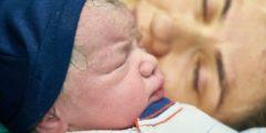 Женщина родила после 8 выкидышей. Схватки начались под новогодний бой курантов!