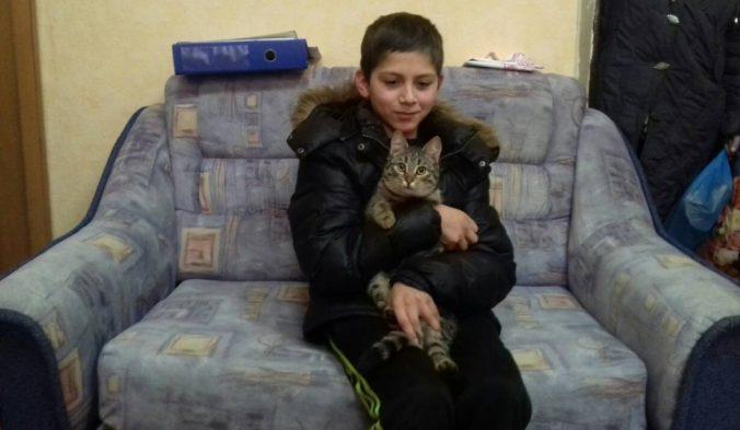 eetmybox, мальчик, кот, бездомный