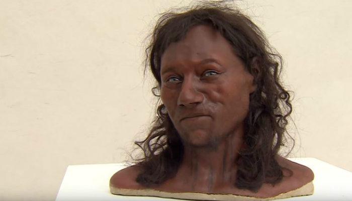 Темнокожим и голубоглазым оказался первый британец. Учёные не ожидали!