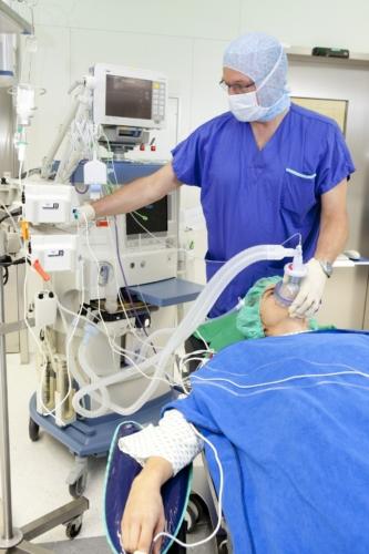 пациент на операции