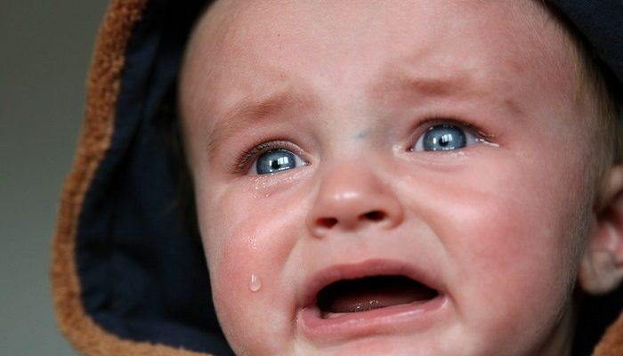 Парень в кафе посоветовал ей «заткнуть» плачущего ребёнка. Зря он это сказал