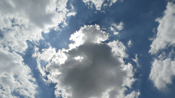 Облака на небе