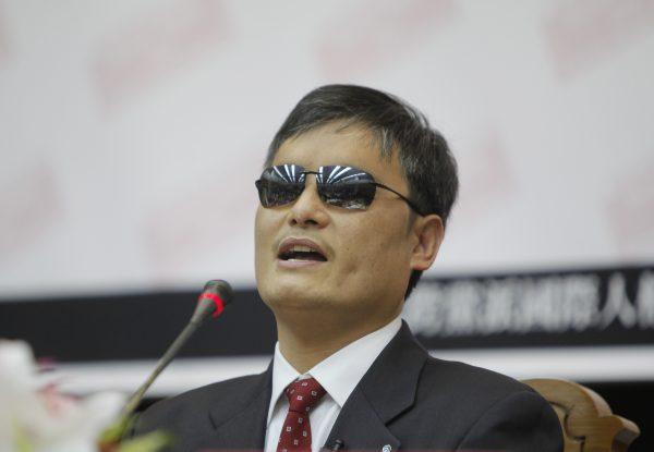 «Ватикан заключает сделку с дьяволом», — заявил китайский диссидент